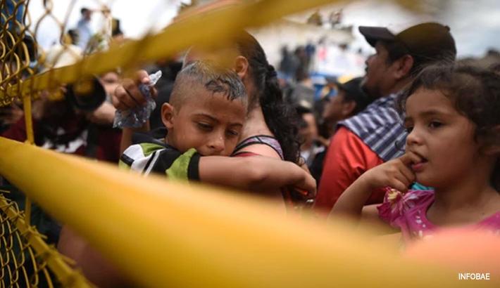 """Los niños, los más vulnerables de la """"caravana"""" humana"""